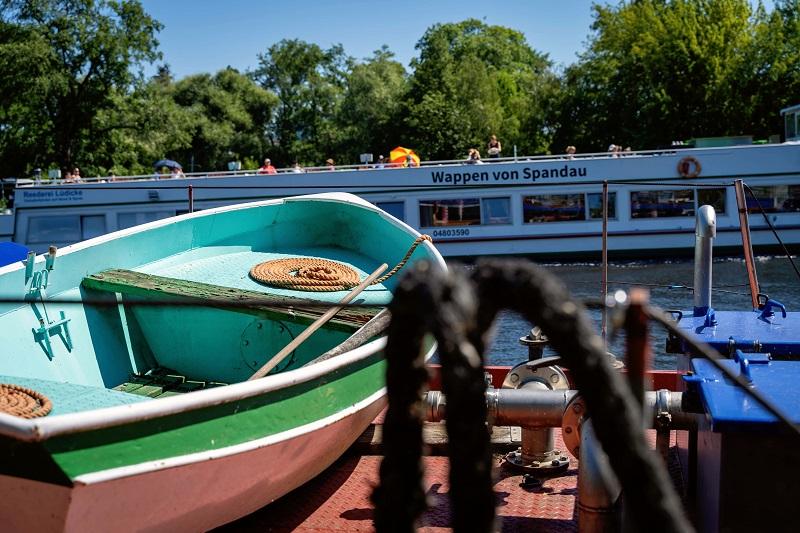 Boot_Wasser_Spandau_-_bearbeitetx800